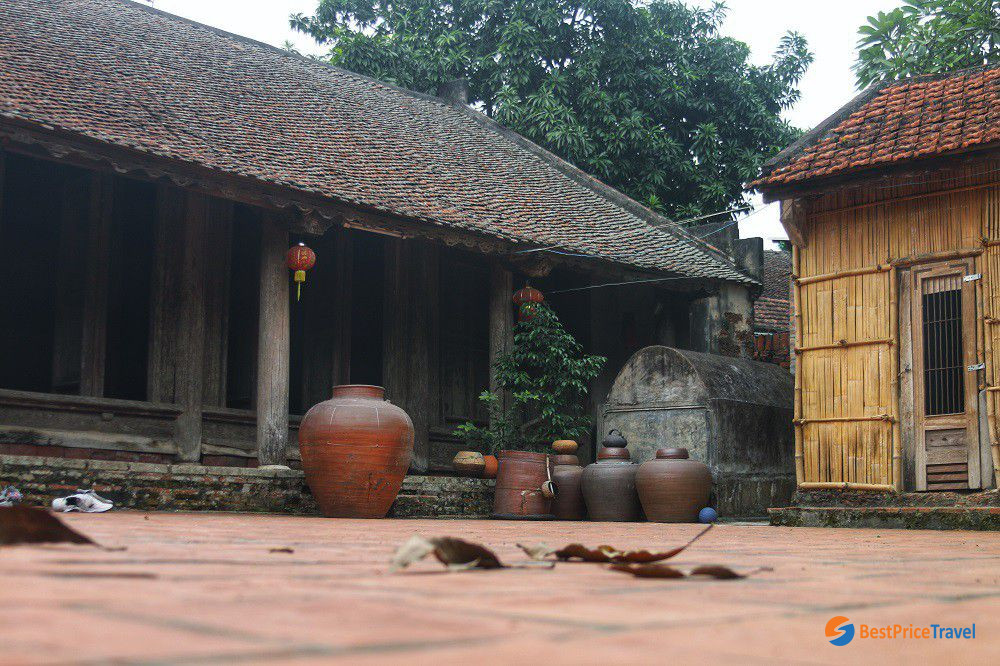 Ancient House in Ky Son Village