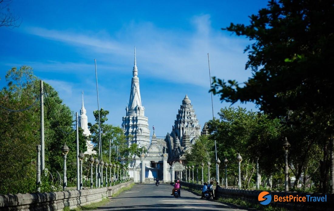 Phnom Srey Phnome Pros