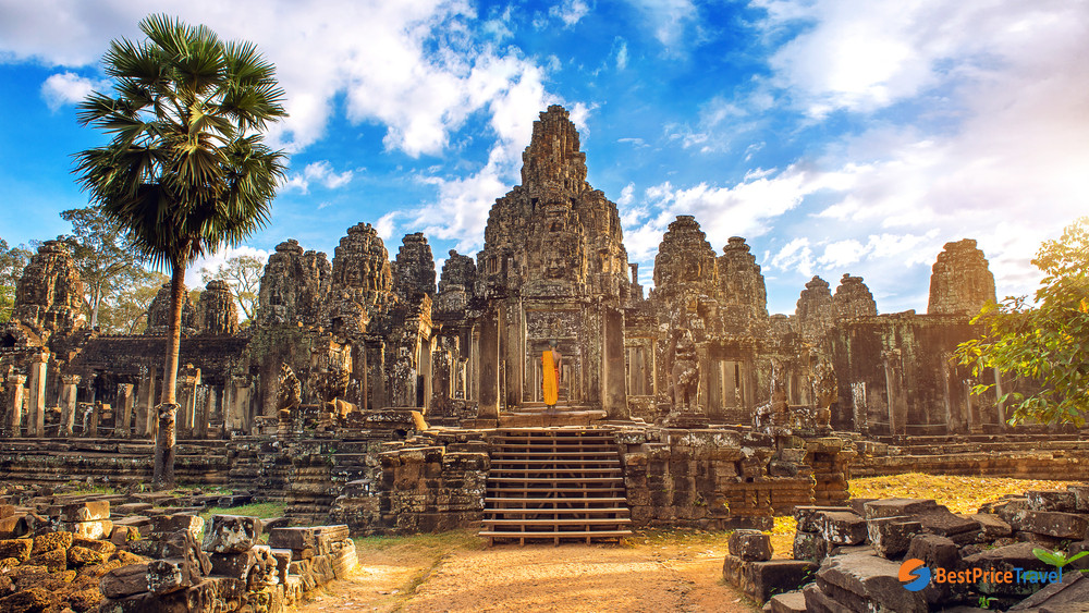 The stunningly panoramic view of Bayon Temple