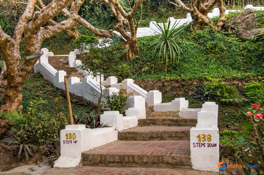 The 328-step pathway to the Mount Phousi