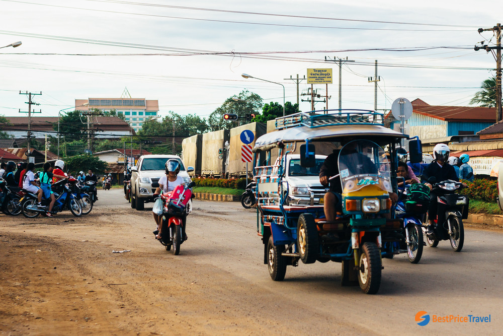 The streets in Pakse town