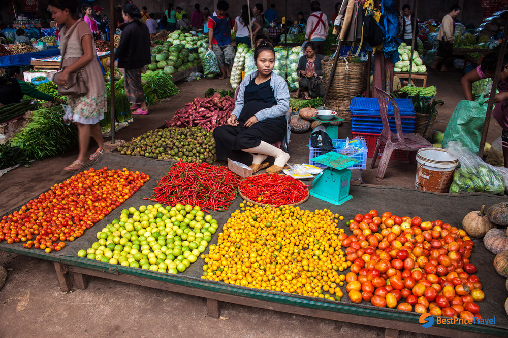 A wide range of fruits is sold in Dao Heuang Market
