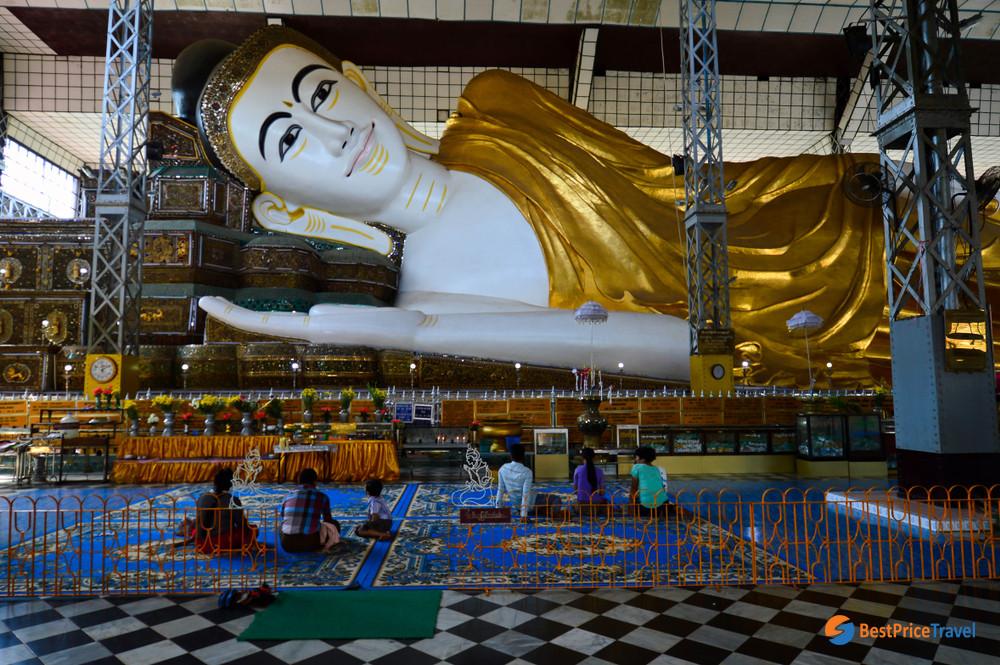 Shwethalyaung Buddha Statue