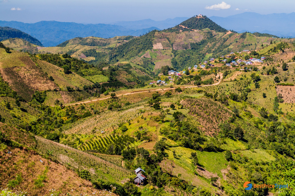 Mountain views in the town of Kalaw
