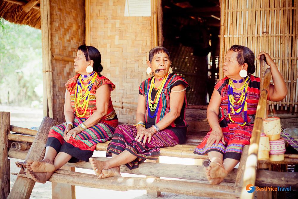 Unidentified Alak tribe women in Laos