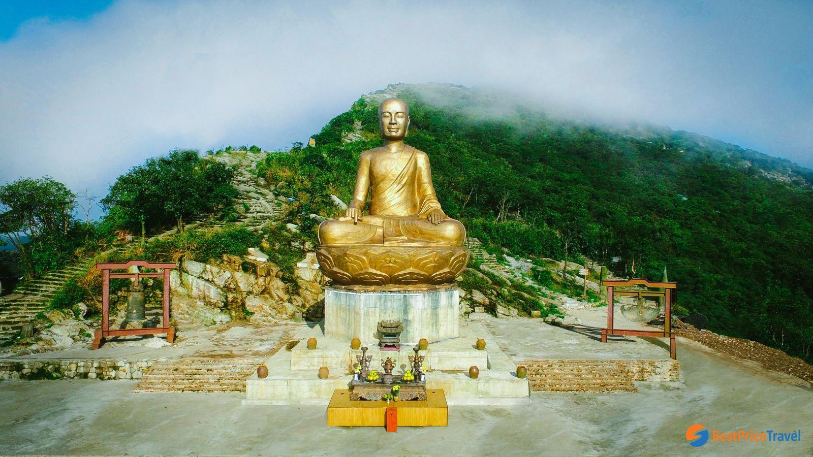 Buddhist King Tran Nhan Tong