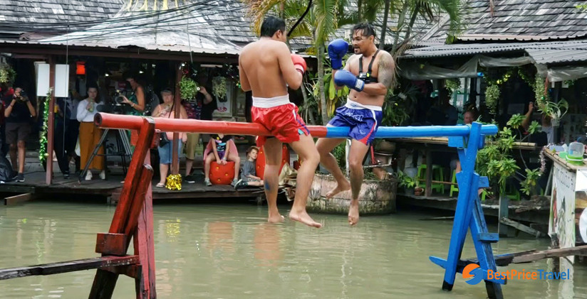 Muay Thai at Pattaya floating market