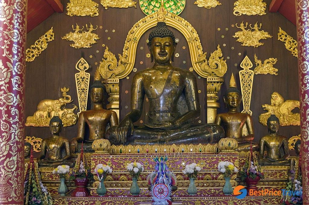 Buddhist statues at Wat Phra Kaew