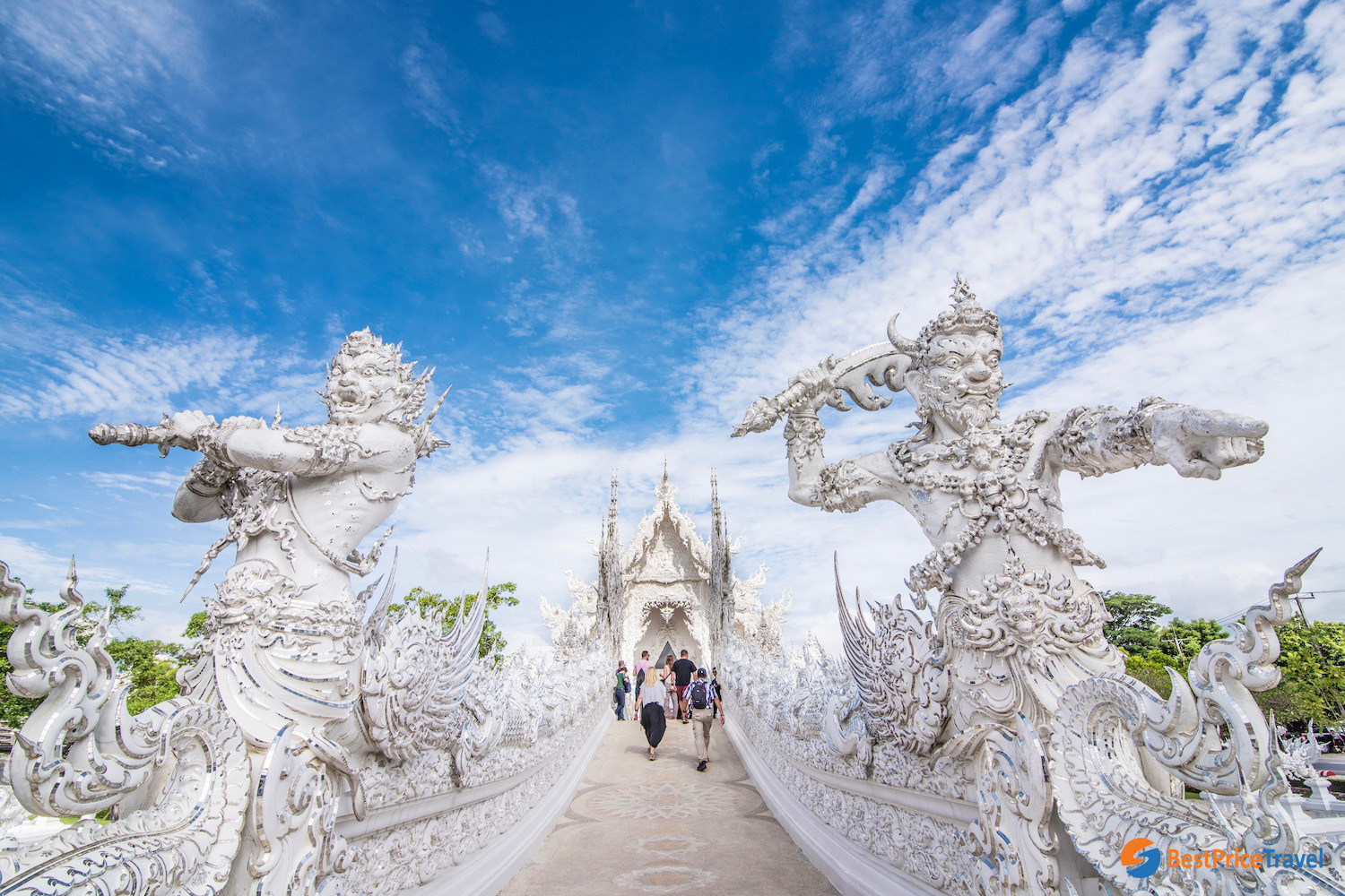 The entrance into the White Temple