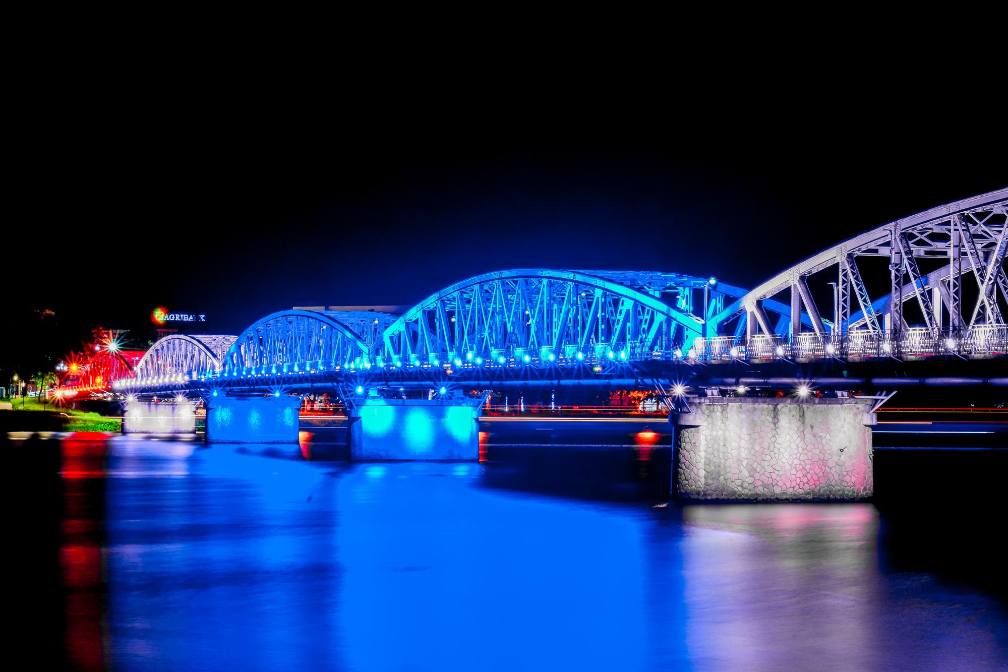 Truong Tien Bridge at Night