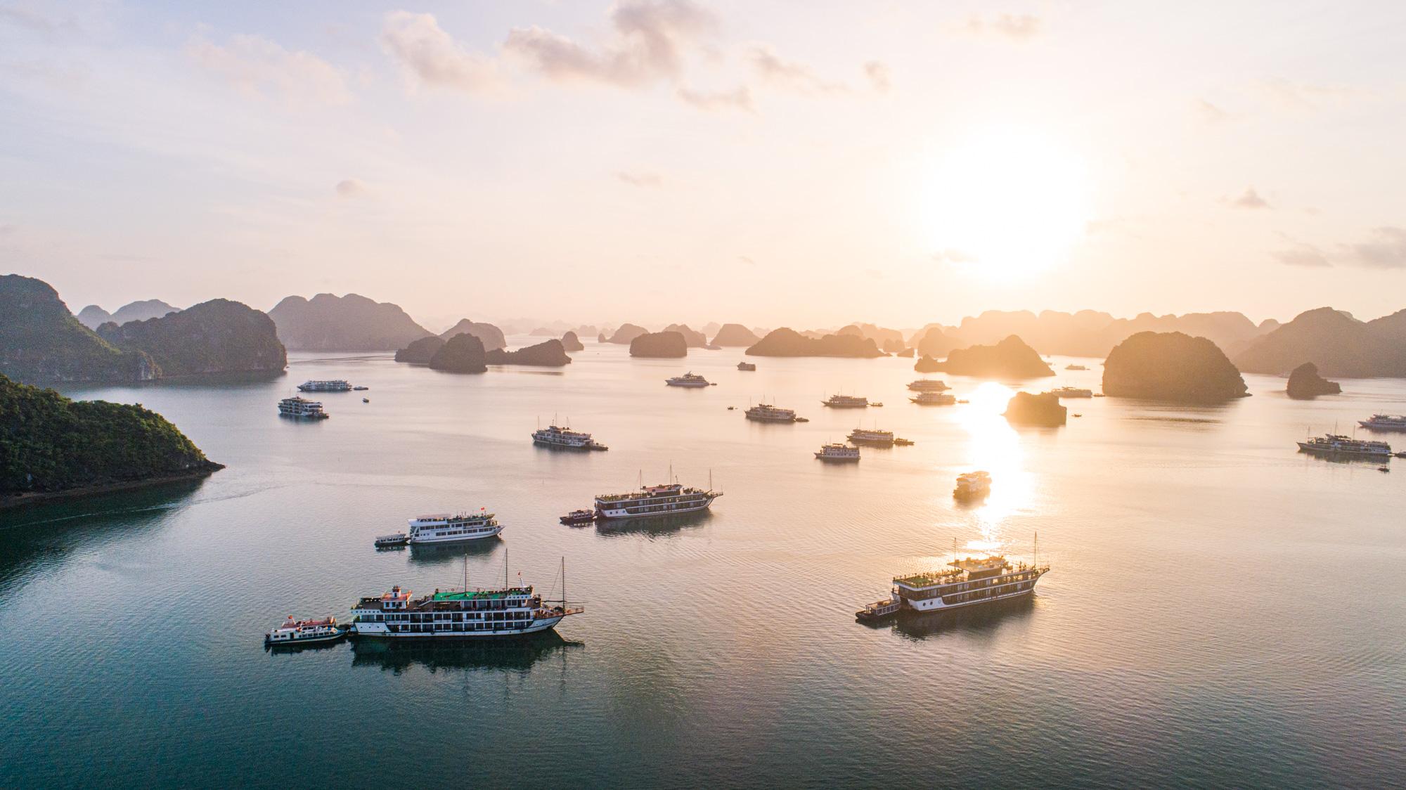 Sunset in Bai Tu Long Bay