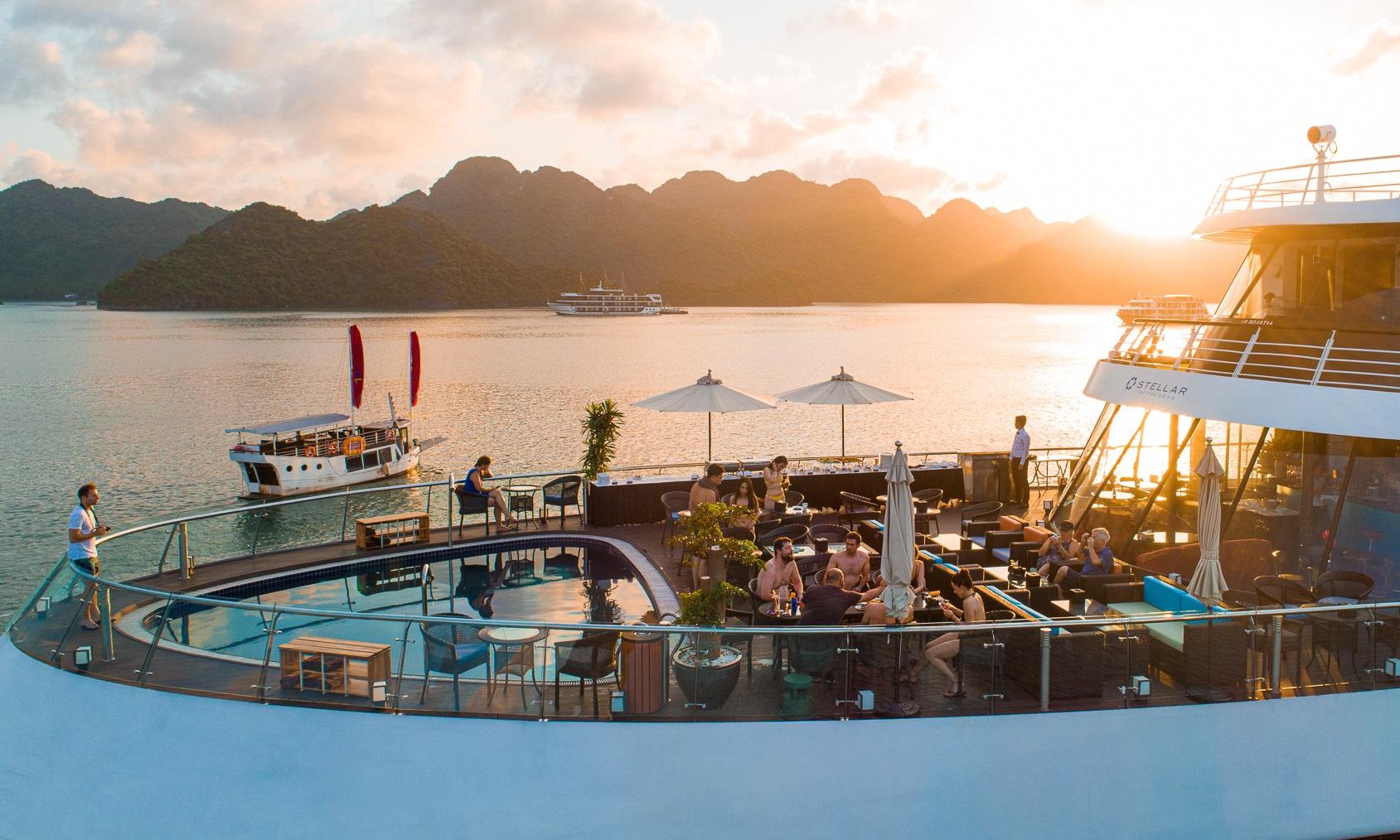 Sunset View in Lan Ha Bay