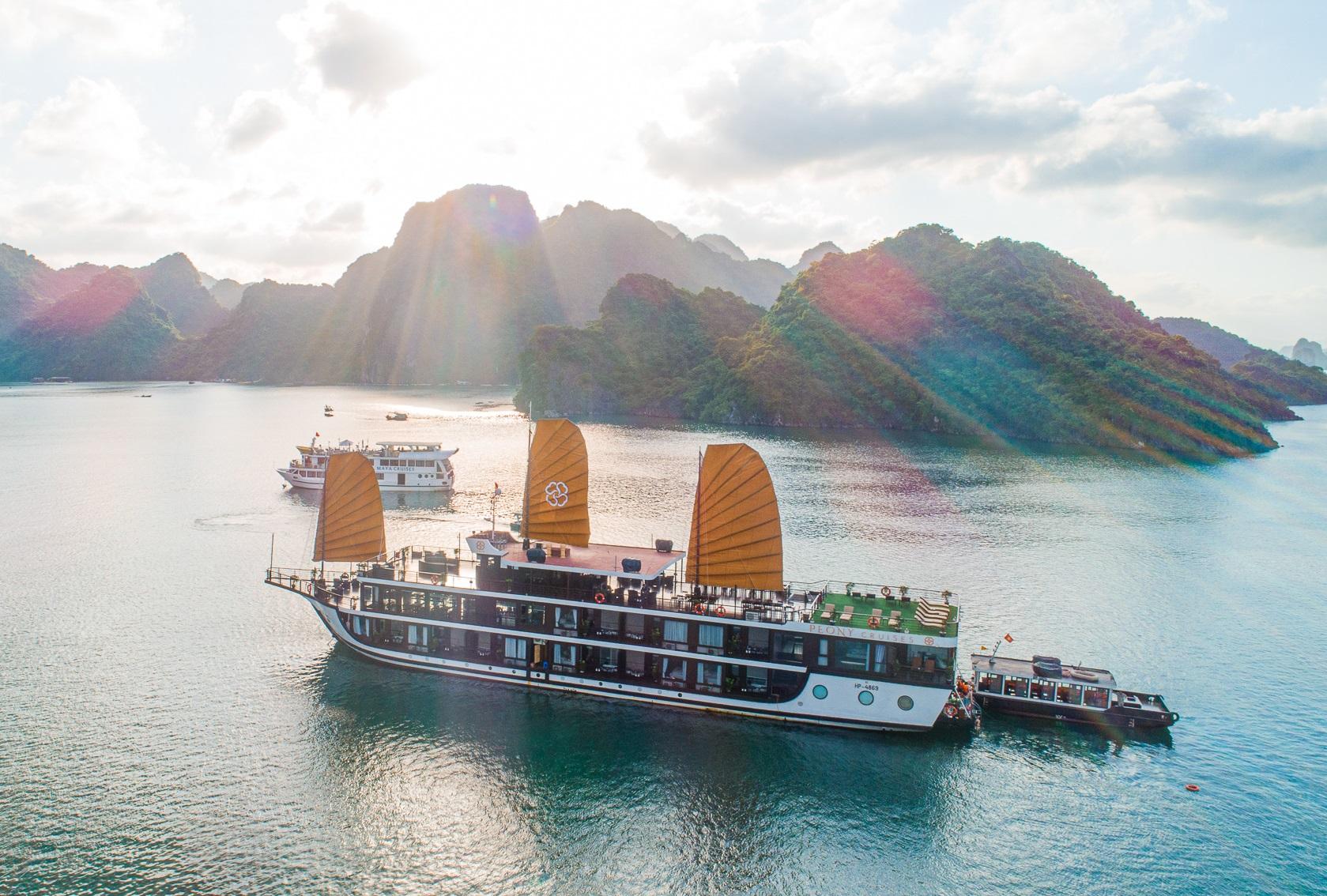 Cruise in Lan Ha Bay