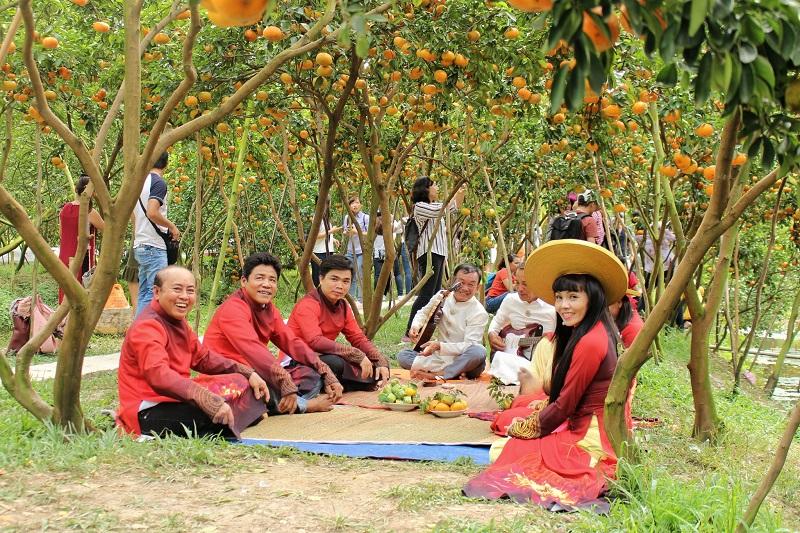 Don Ca Tai Tu Folk Music vinh long