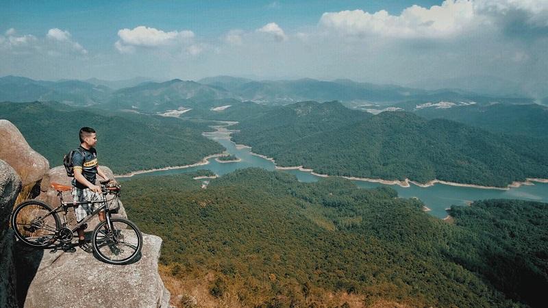 View From Da Chong Peak