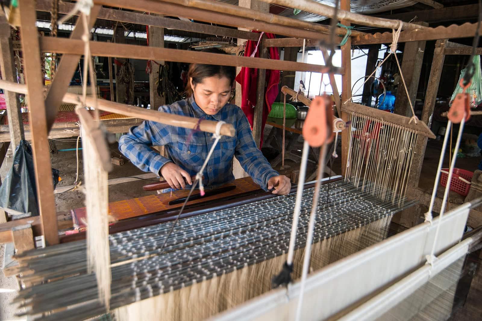 Koh Dach silk weaving cambodia