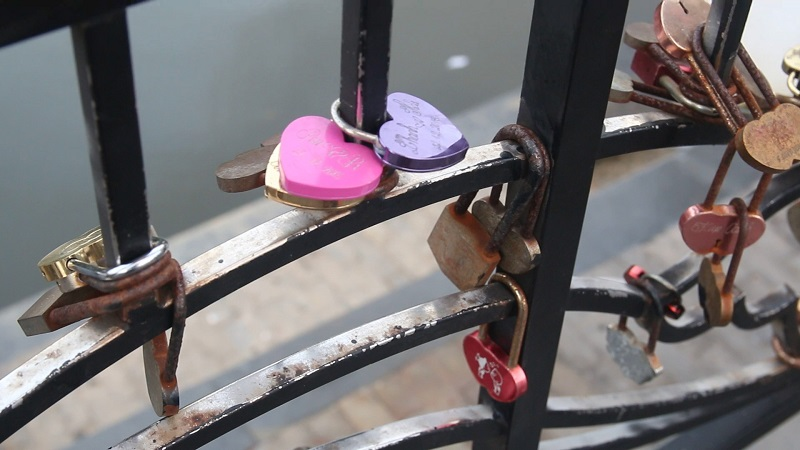Couples Who Love Each Other Will Come Here To Hang The Lock