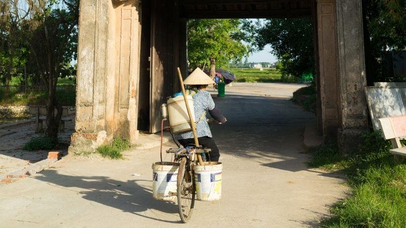 Local life in Duong lam