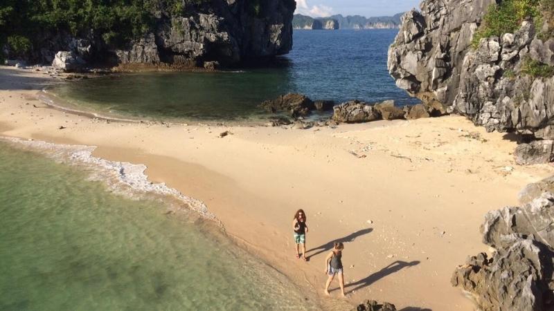 Cat Co 3 beach