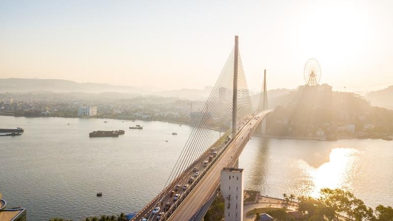 Bai Chay bridge