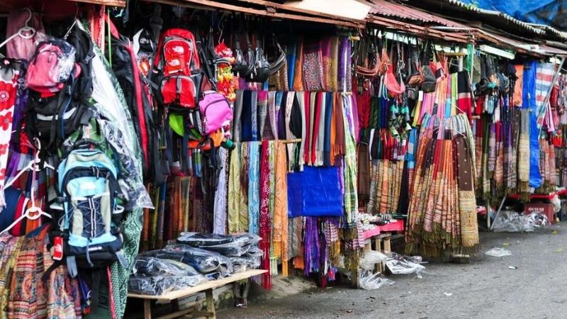 Shopping in Sapa market