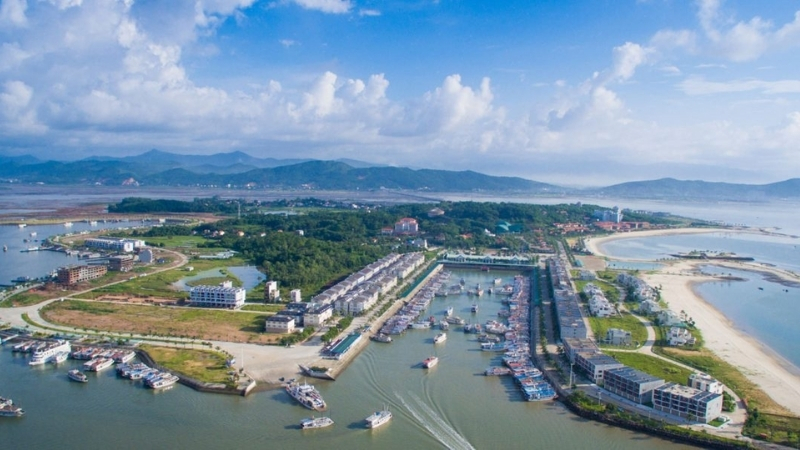 Tuan Chau pier can capacity of 2000 cruises