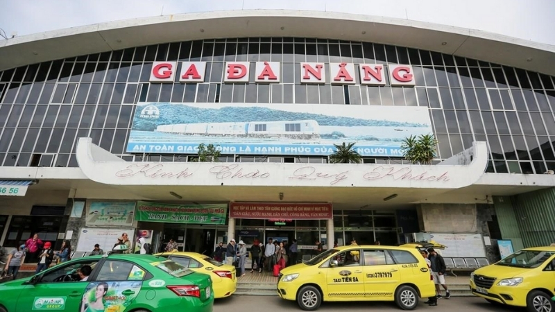 Transfer to Da Nang train station