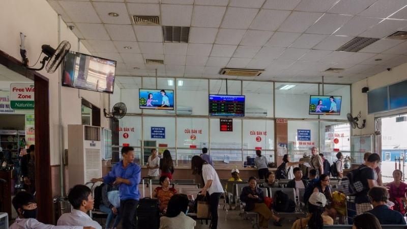 Waiting room at Da Nang train station