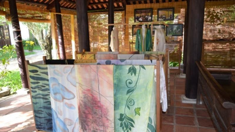 Visit Hoi An silk village showroom