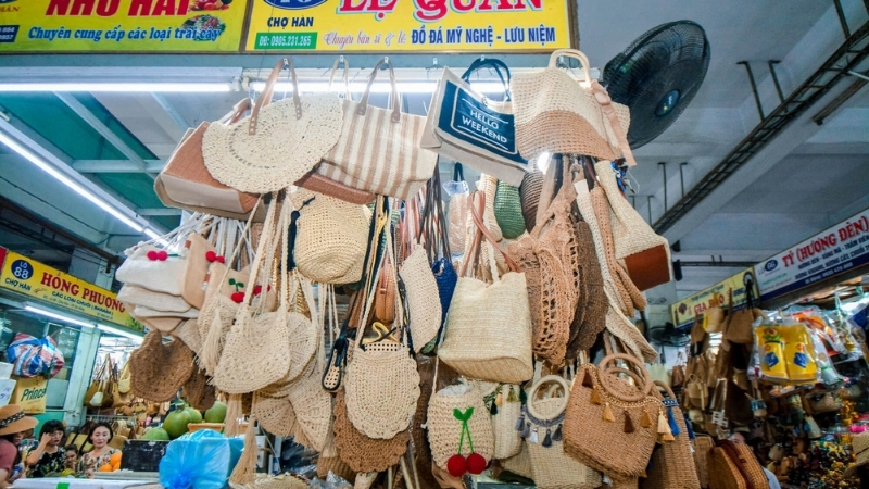 Shopping at Han Market