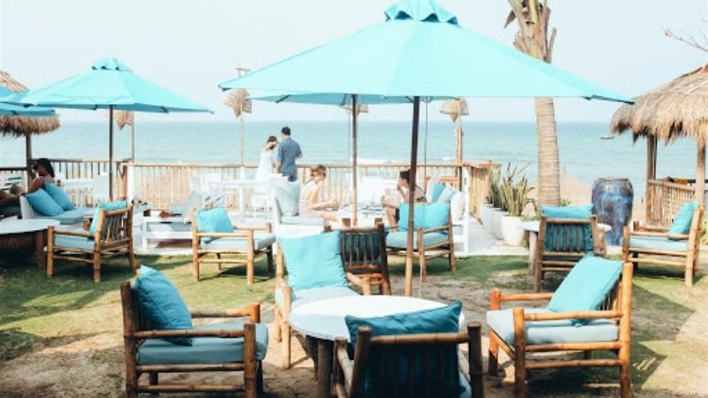 Beautiful cafe near by An Bang beach