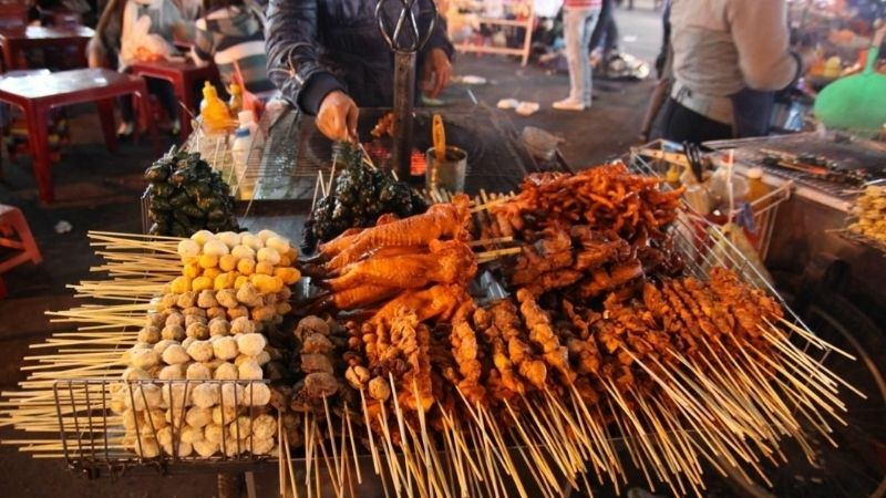 Street food at Da Lat night market