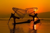 One-leg Rowing Intha Fishermen - Keeping Tradition Alive