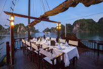 Top 10 Interesting Things to Do in Halong Bay at Night