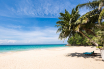 What is the best time to visit Phuket?