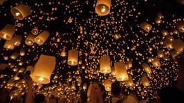 Loy Krathong and Yi Peng - Thai's Light Festival