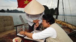 How to Bargain While Shopping in Halong Bay