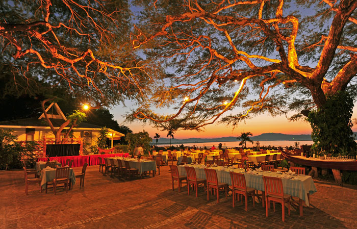 A river view restaurant in Bagan