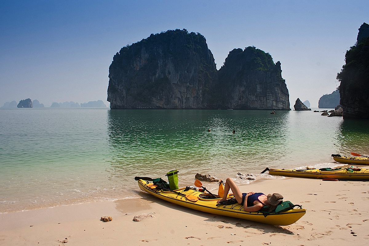 sunbathe - Top things to do in Halong Bay