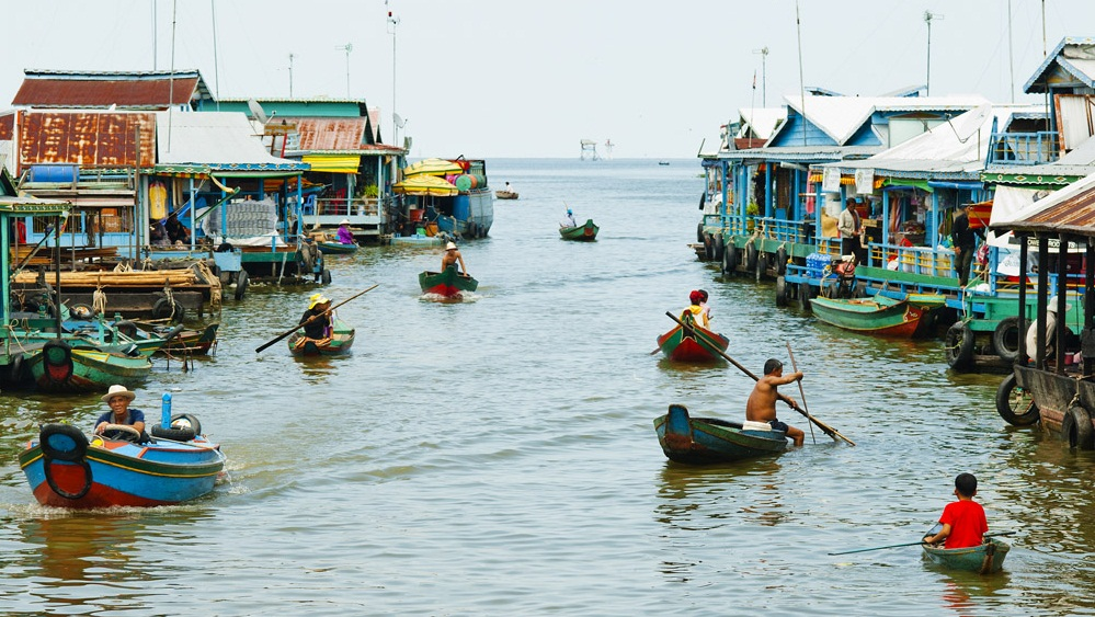 Experience local life on water