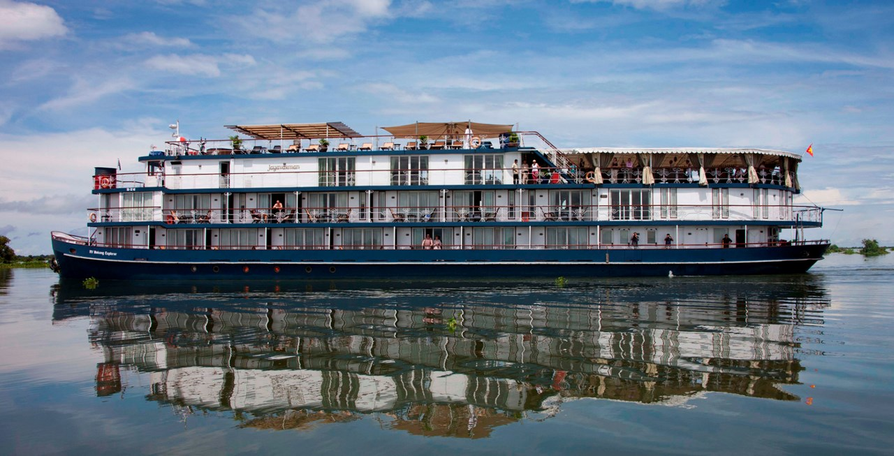 Floating hotel on River