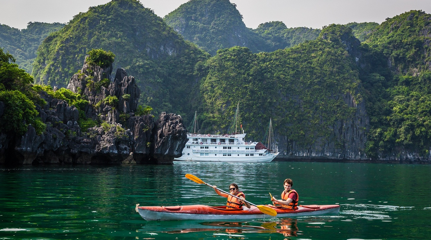 Kayaking -  Best things to Do in Halong Bay
