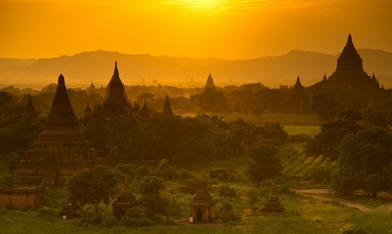 Thousands of temples, shrines, monasteries and stupas in a small area give Bagan a mystical charm