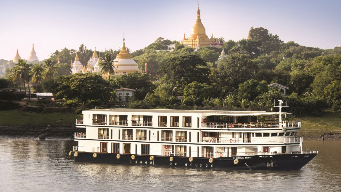 River cruise on Irrawaddy River