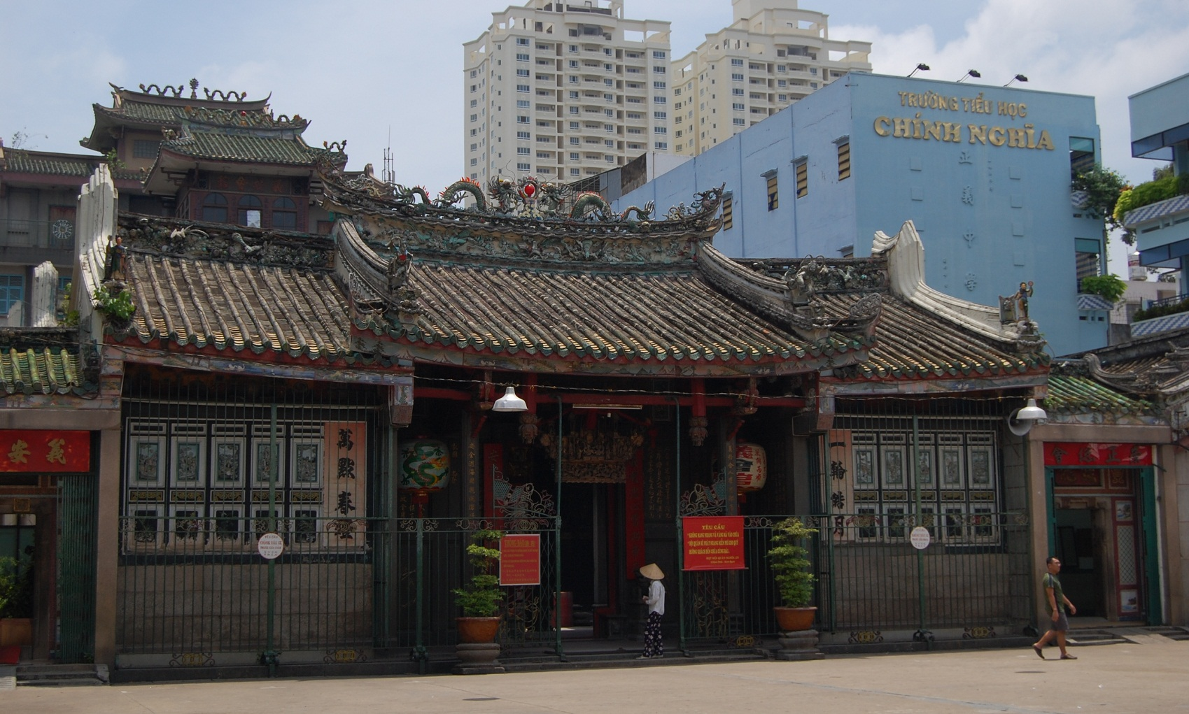 Nghia An Hoi Quan Pagoda