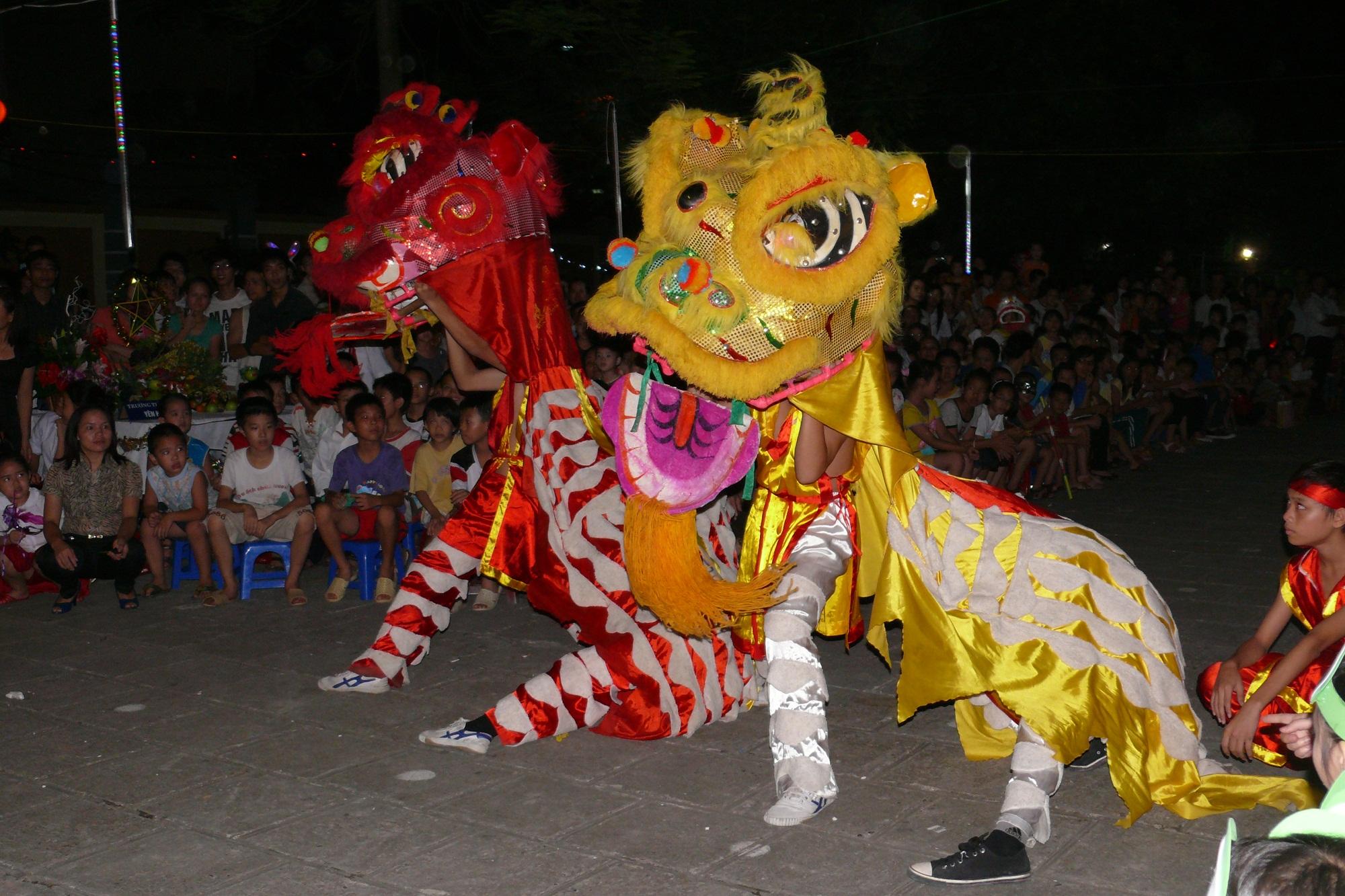 Lion Dance on the street