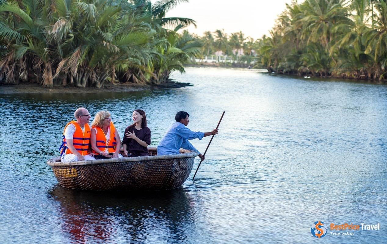 Experience basket boat trip in Hoi An - Vietnam Boat Trip