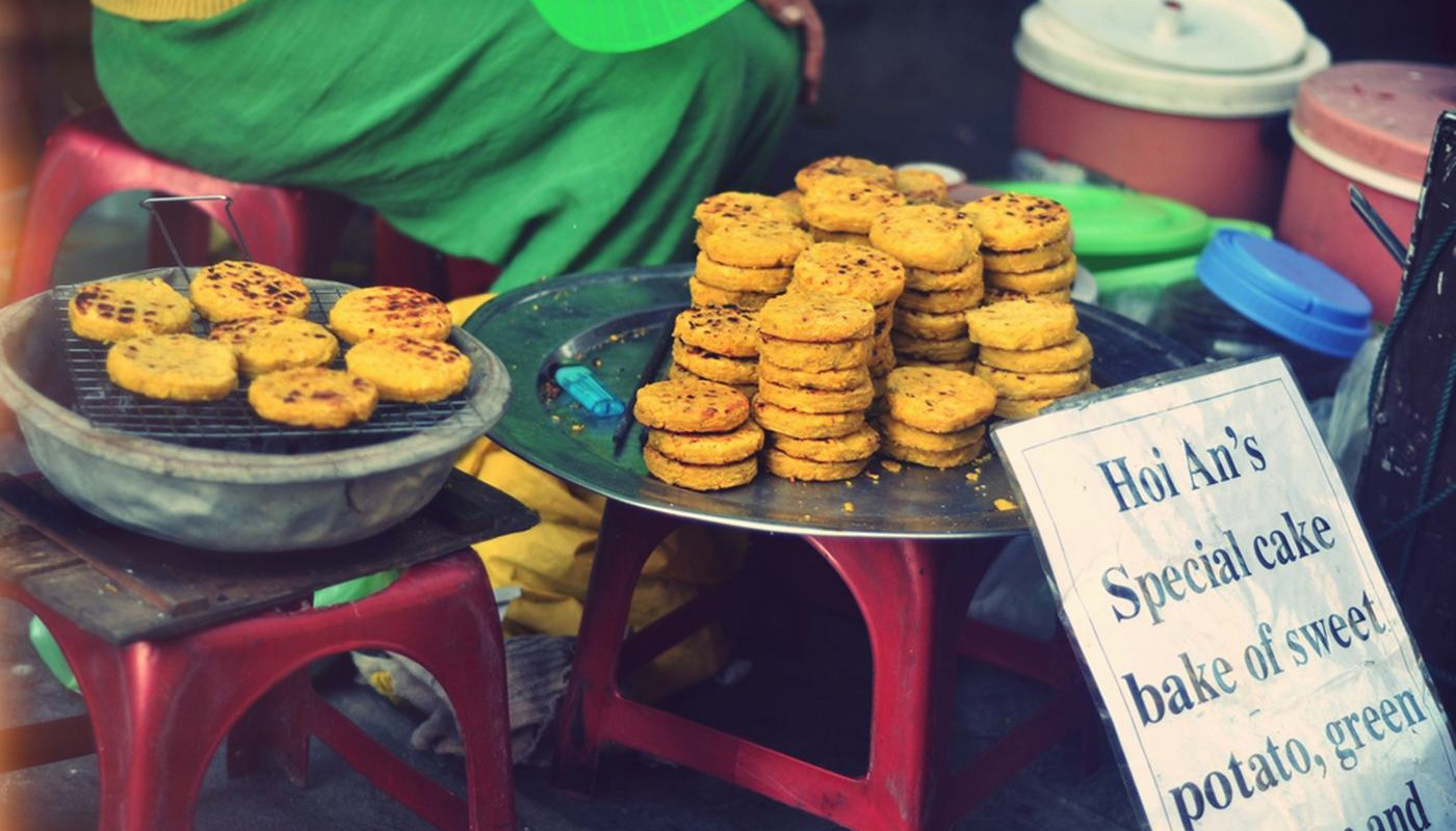 Trying local street food is a must do activity in Hoi An - Foodie in Vietnam