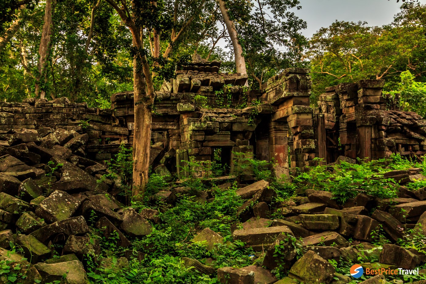 The lesser-known Banteay Chhmar Temple - a super mysterious places in cambodia