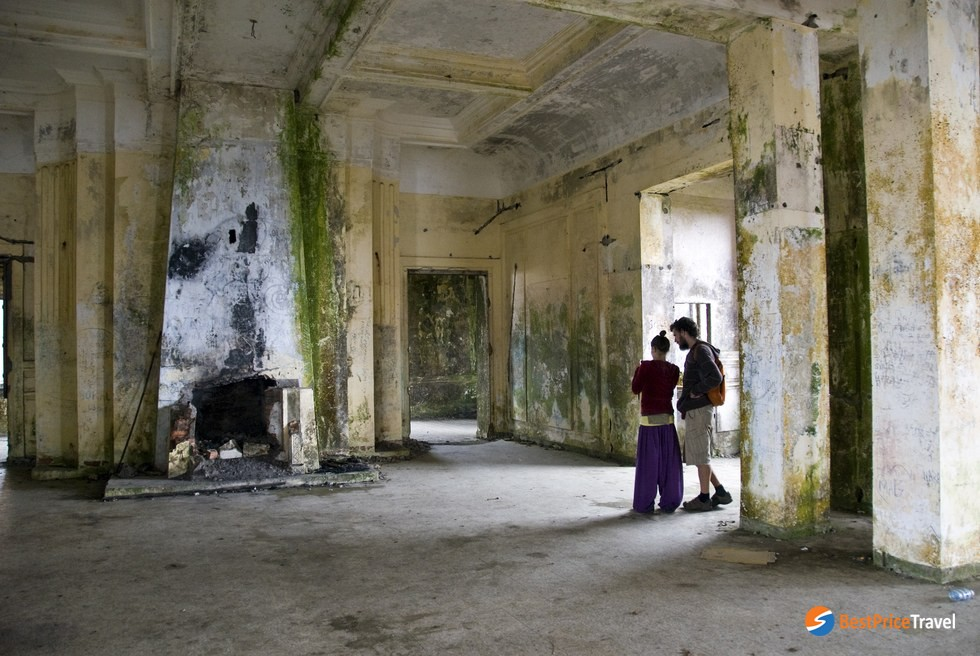 the abandoned structures of Bokor Hill